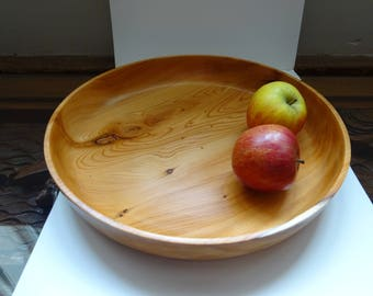 A Yew fruit bowl