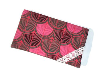 Dark pink fabric checkbook