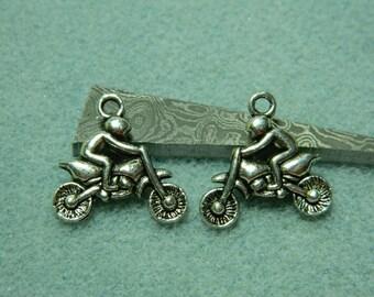 1 cross 21 * 21 metal bike charm