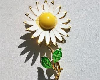 Vintage Daisy Brooch Pin