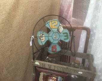 50's retro fan clock