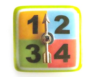 MOVEABLE Realistic Spinner Button - Fused GREEN Glass & Metal Studio Button
