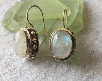 Earrings-clear stone/silver drop