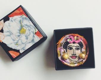 Frida - wearable art - brooch - sewn face