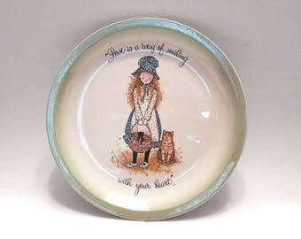 "Holly Hobbie Collector's Edition 1972 Vintage Plate- ""Love is a way of smiling with your Heart"""