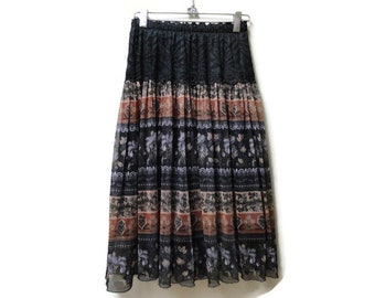 SALE Boho Skirt - Ethnic print - Lace Trim - Size S small