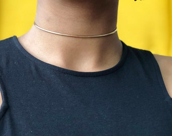 Simple Skinny Gold Choker