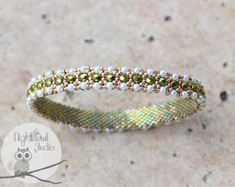 Tiny Pearls Bangle