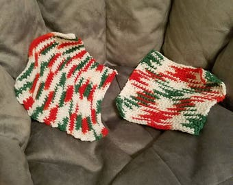 Red white and green crochet dishcloths