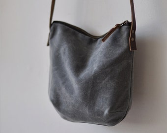 SMALL DAY BAG - waxed canvas