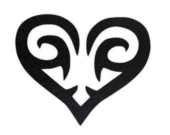 Fusible tribal heart pattern