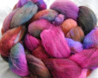 handdyed Roving, 100% Polwarth, colour rust and roses 1, 100g/3,5oz