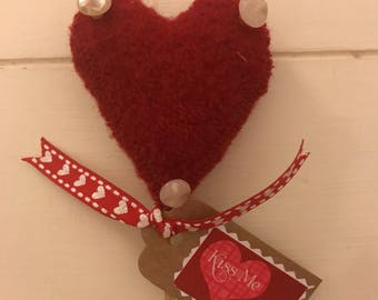 Felted wool heart flower pick for your valentine ! Recycled wool from sweaters/plant pick/valentine gift