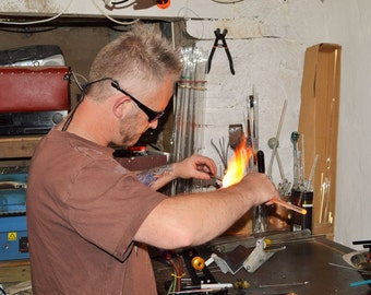 1 - 1.5 hour Borosilicate Glass Flameworking Lampworking Taster Session Workshop Course For 2 People.