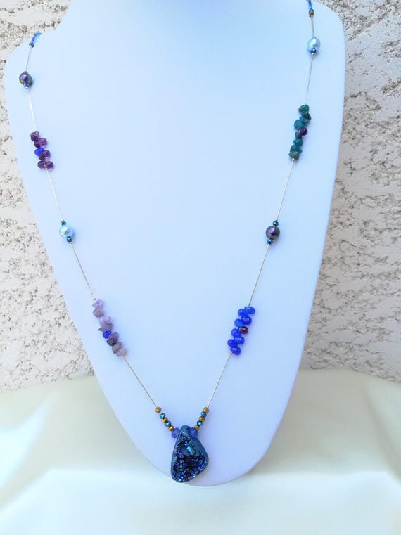 sautoir bohème chic bleu perles fines et swarovski
