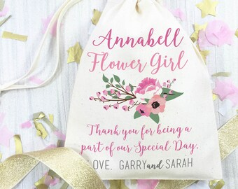 Personalised wedding day gift bag for your Flower GIrl. Cotton bag wedding day thank you favour gift bag. Beautiful flower design.