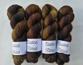 merino wool nylon hand dyed sock yarn 100g / 425m / Eluded Fibres / FRIEND