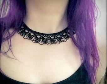 Knotted Lace Choker - Armenian Lace - Oya - Crochet - Pinecones