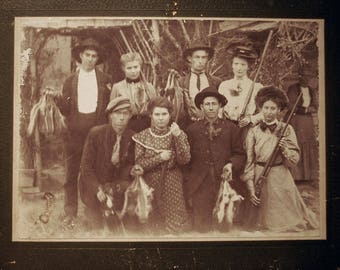 Antique Cabinet Photo of Hunting Family