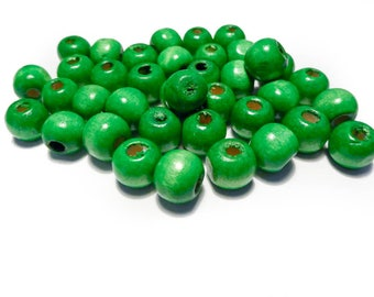A lot of green 10 mm wood beads