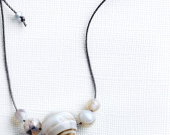 everyday necklace, agate bead necklace, casual jewellery, agata