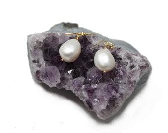 NEW! Geniuine freshwater pearls, Gold Vermeil Earrings, elegant, bride, stylish, 3.5 cm, organic, dangle, nickel free, free shipping