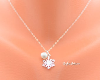 simple snowflake necklace, delicate tiny necklace, bridesmaid gift, flower girl gift, snowflake necklace, gift for her, bridal necklace