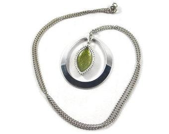 Sarah Coventry Green Enamel Silver Tone Pendant Necklace, Sarah Coventry Necklace, Sarah Coventry Jewelry, Green Enamel Teardrop