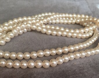 Ivory glass pearls 4-6mm