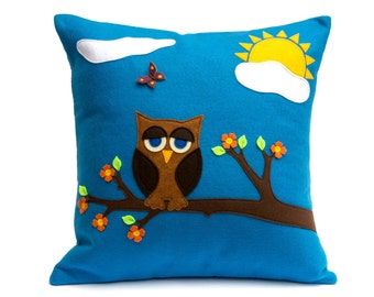 Pillow Cover - Little Owl in Springtime - Appliqued Eco-Felt - 18 inches