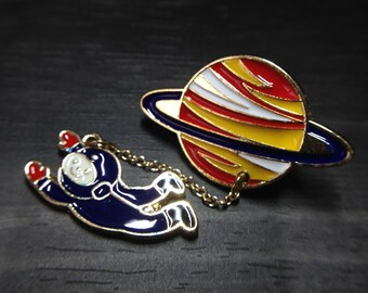 Vintage Designed Astronaut on Saturn Enamel Brooch Jewelry Accessories for Women Brooches_050