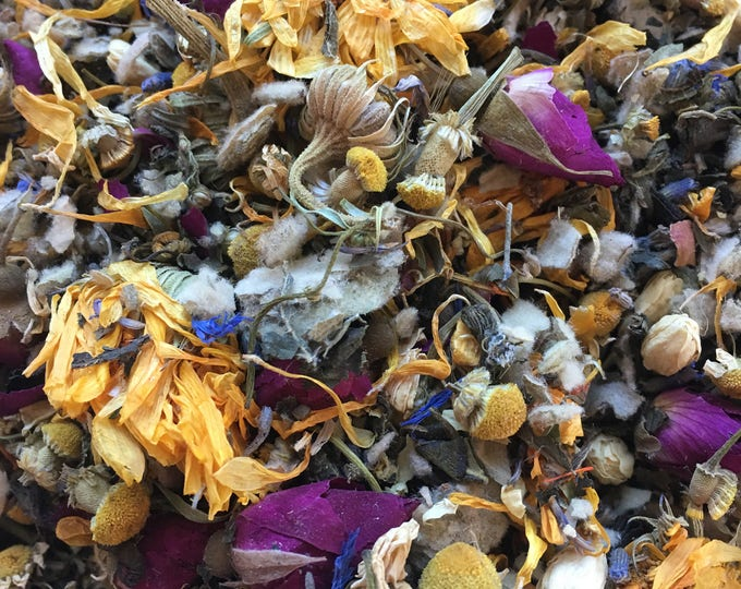 Women's Moon Time Tea | Vitex, Raspberry, Chamomile, Cramp Bark, Green Tea, Roses, Calendula, Sage Tea | Cramp Relief, Hormone Balance