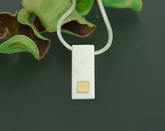 Pendant with fine gold square
