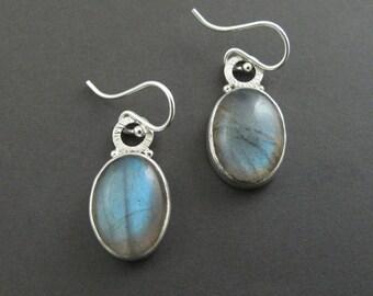 Dramatic Dangle Earrings, Labradorite Statement Earrings, Colorful Bold Drop Earrings, Hammered Silver Earrings, Elegant Earrings