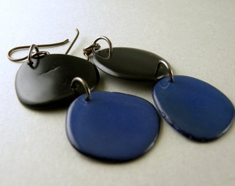 Black and Cobalt Blue Tagua Nut Eco Friendly Earrings with Free USA Shipping #taguanut #ecofriendlyjewelry