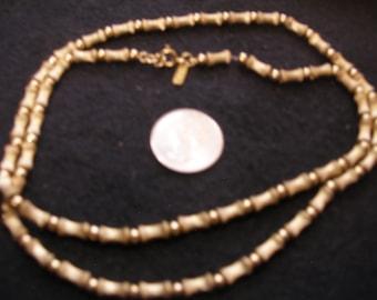 Gold Tone Monet Necklace(949)