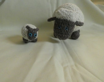 SHEEP, stuffed ornimental sheep, mother and lamb,