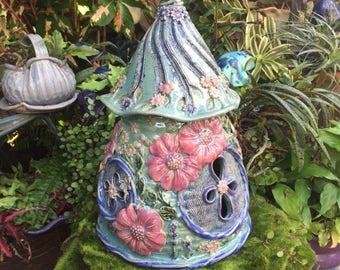 Grande fée Floral en céramique - maison extérieure fée jardin maison - Gourde Faery - fée fabriqués à la main - Gnome Accueil - crapaud demeure