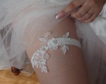 Ivory Pearl Beaded Lace Wedding Garter  Ivory Lace Garter  Toss Garter Bridal Garter lace  Shabby Chic Garter Chic Lace Garter Toss Garter