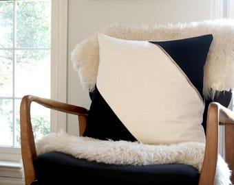 Pillow Cover/Ivory/black/Accent Brass Zipper/NEW COLLECTION/Modern/Minimalistic/Stylish Pillow//Zigazag Studio Design