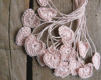 Small wedding favors, crochet tiny pink hearts, 15 mini hearts, wedding decorations, embellishments, applique, scrapbooking, card