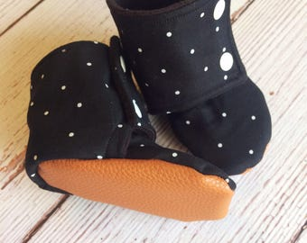 Stay on baby booties