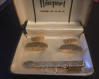 Mid century cuff links and tie bar...free shipping !!!