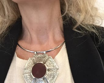 Necklace Awesome with Brown Jade Tribal Pendant