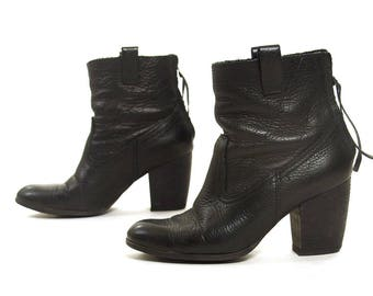 90s Black Leather Zip Up Ankle Boots / Vintage 1990s Steve Madden Clueless Chunky Block Heel Booties Women's Size 8
