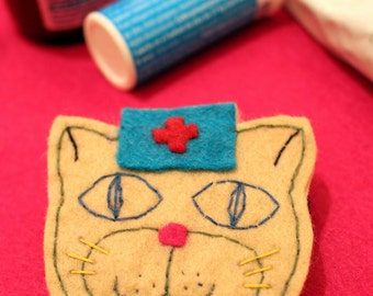 I love cats brooch in felt / J'adore les chats broche en feutrine