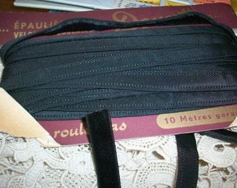 1 yd corset trim velvet black or peach