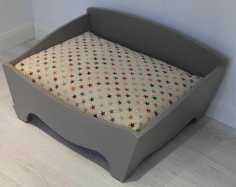 Medium Box Bed with Cushion