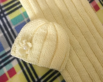 LYNN:  Newborn babyswaddle sack cocoon and beanie set, hand knit,  pale yellow