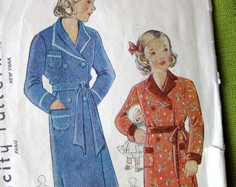1930s 1940s Girls Vintage Pattern - Childrens ROBES - Simplicity 1637 // Size 8 Breast 26